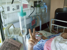 11月19日、直腸S状部ガン手術で、 都立駒込病院・森武生院長に外科・ 開腹手術を受ける。